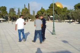 حراس المسجد الأقصى يتصدون لمستوطن حاول أداء طقوس تلمودية