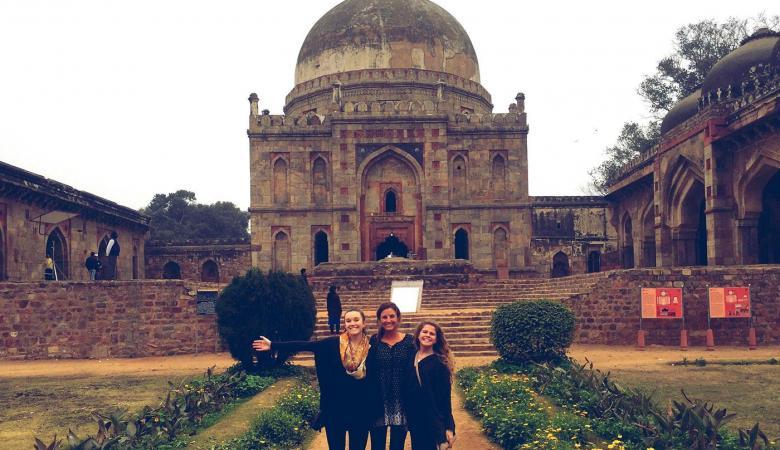 التربية تعلن عن توفر منح دراسية في الهند