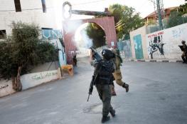 اصابة عشرات الطلبة والمدرسين بالاختناق جراء اعتداء قوات الاحتلال على مدرسة الخليل الأساسية