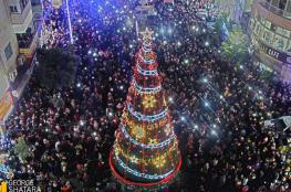 فتح : الاعتداء على شجرة الميلاد برام الله مستنكر ومدان وسنتابع ملاحقة الفاعلين