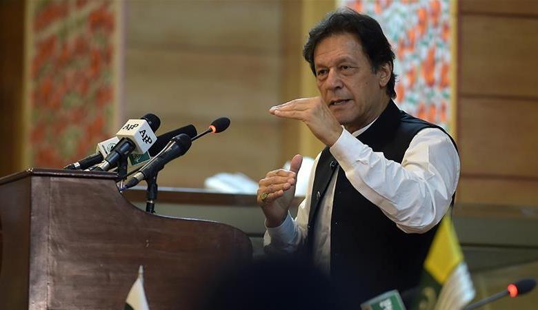 رئيس الوزراء الباكستاني يزور كشمير في تحد واضح للهند