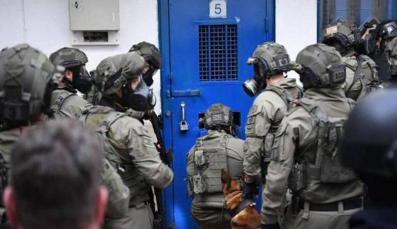 نادي الأسير: الاحتلال صعّد من استخدام التعذيب بحق الأسرى