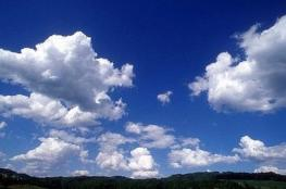 الطقس:أجواء غائمة وانخفاض طفيف على درجات الحرارة
