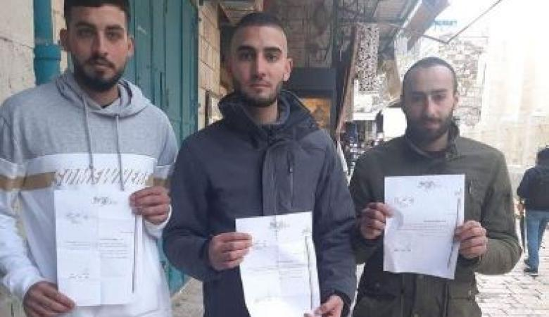 """الاحتلال يبعد شابين عن """"الأقصى"""" لأربعة أشهر"""