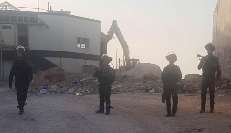 عمليات هدم واسعة في محيط حاجز قلنديا شمال القدس