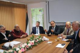 وزير الزراعة : سنواصل تعزيز صمود المزارع في ارضه