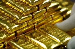 الذهب يقفز لأعلى مستوى مع انخفاض الدولار