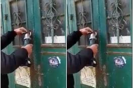 الشرطة توقف مواطنا خلع ابواب مساجد في نابلس
