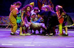 تخريج مدرسة الرقص والدبكة التابعة لمركز الفن الشعبي