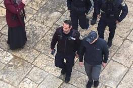 الاحتلال يعتقل شابين مقدسيين لقيامهما بفتح باب الرحمة
