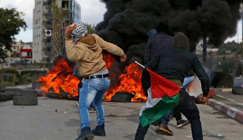 عدة اصابات في مواجهات مع الاحتلال شمال مدينة البيرة