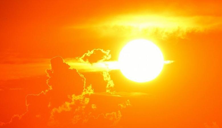 حالة الطقس : اجواء شديدة الحرارة وتحذير من التعرض لأشعة الشمس الحارقة