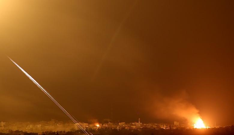 طيران الاحتلال يقصف نقطة للمقاومة قرب مطار غزة الدولي