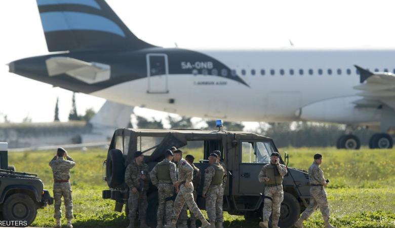 خاطفي الطائرة الليبية من جماعة متشددة وهذه مطالبهم