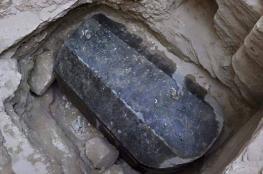 مصر تكشف تفاصيل غريبة عن التابوت الغامض