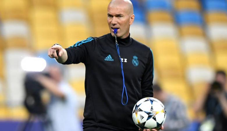 زيدان يعلن مساندته للمنتخب الجزائري في بطولة أمم أفريقيا