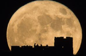 636169698872929087-AP-APTOPIX-Supermoon