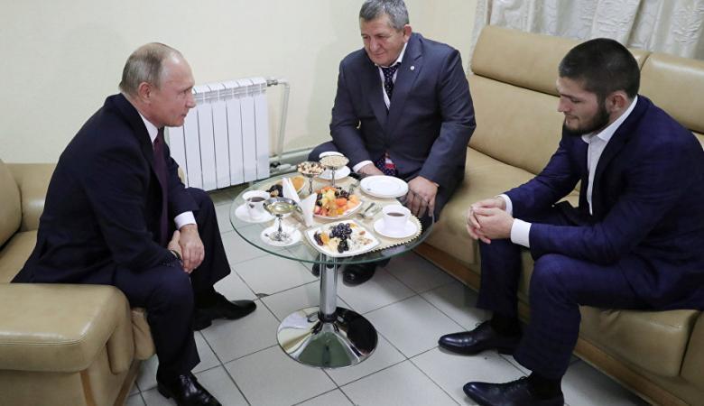 """بهذه الكلمات خاطب بوتين الملاكم """"حبيب محمدوف """""""