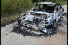 المستوطنون يحرقون سيارة مواطن في بلدة حوارة جنوب نابلس