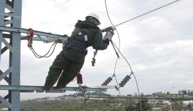 """كهرباء """"اسرائيل """" تتراجع عن قطع  التيار عن محافظة أريحا"""
