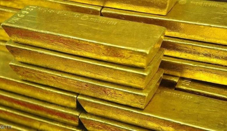 الذهب يقفز 1% مدعوما بضعف الدولار