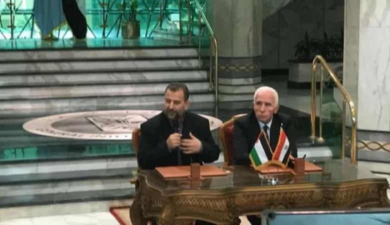 حماس وفتح يوقعان على نهاية الانقسام الفلسطيني