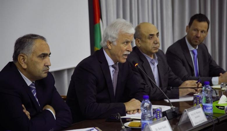 """""""التربية"""" تبحث مع مسؤولين أوروبيين التحريض الإسرائيلي على المناهج"""