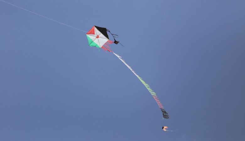 اسرائيل تعرض وثائق امام البرلمان الفرنسي ضد حماس بشأن الطائرات الحارقة