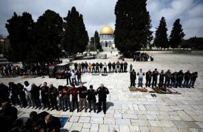 اغلاق المصليات المسقوفة بالأقصى المبارك وأداء الصلوات في الساحات، تحسبًا من