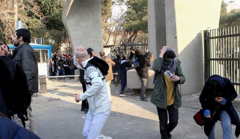 """الاندبندنت البريطانية : ما هي أسباب الاحتجاجات الايرانية الأعنف منذ العام """" 2009 """""""