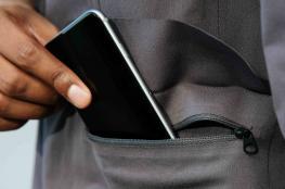 القبض على شاب ووالدته بتهمة سرقة ونشل هواتف محمولة في الخليل