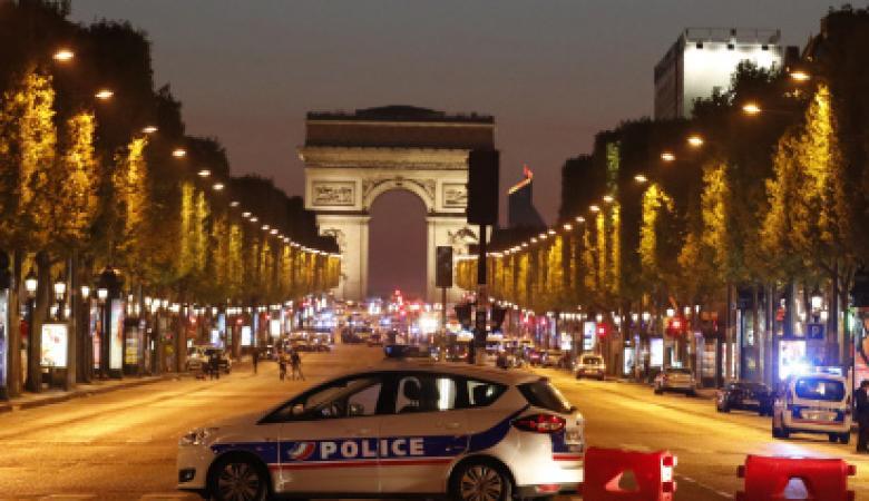 داعش يتبنى الهجوم في باريس