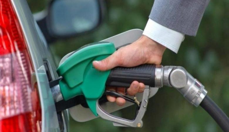 """تراجع أسعار البنزين في """"إسرائيل"""" الشهر المقبل"""
