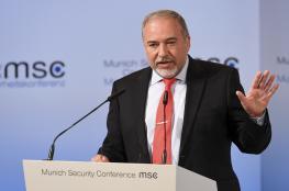 مسؤولون امنيون لليبرمان : مواصلة الضغط على حماس سيؤدي الى الانفجار