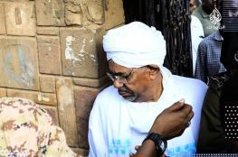 """شاهد ..اول ظهور للرئيس السوداني المعزول """"البشير """""""