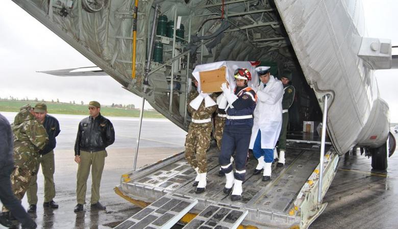 وفد فلسطيني يعزي الجزائر بشهداء الطائرة المنكوبة