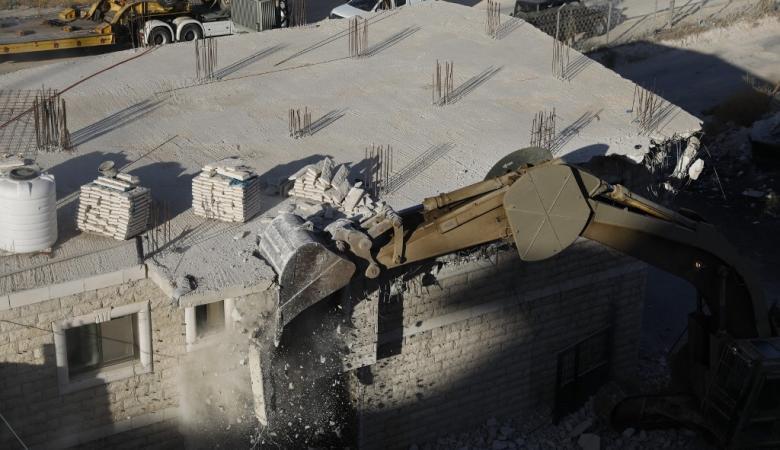 الاحتلال يخطر بوقف بناء منزلين شرق بيت لحم