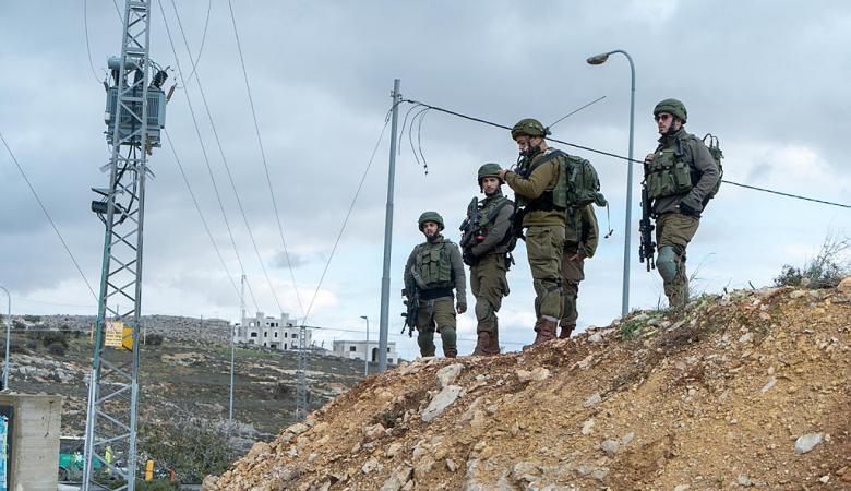 طولكرم : الاحتلال يستولي على اراض في قرية شوفة