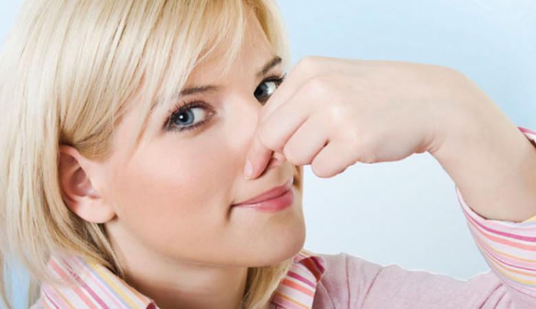 5 أسباب لرائحة الجسم الكريهة