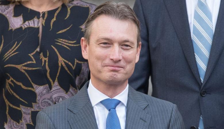وزير خارجية هولندا يستقيل من منصبه لانه كذب قبل 13 عاما