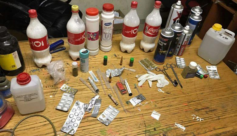 الشرطة  تضبط معملا لتصنيع المخدرات في ابو ديس