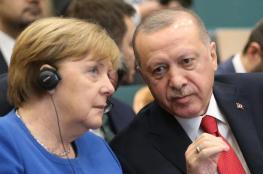 ميركل تؤيد اقامة منطقة آمنة شمال سوريا