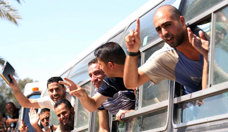 حماس تطالب مصر بالضغط على اسرائيل لاطلاق سراح محرري صفقة التبادل