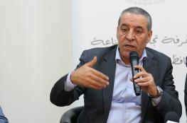 حسين الشيخ لوزير إسرائيلي: إنا باقون هنا