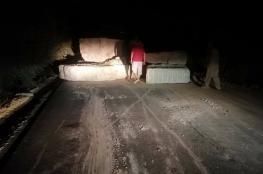 الاحتلال يغلق طريقا فرعية في بلدة عصيرة القبلية