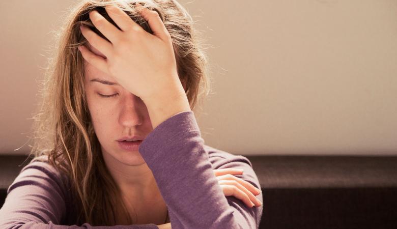 دراسة تكشف : هذا ما يفعله الانهيار العاطفي في النساء