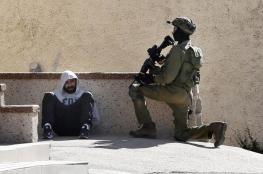 الاحتلال يعتقل عشرة مواطنين فجر اليوم من الضفة الغربية