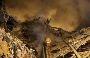 ايران :  مقتل 30 رجل إطفاء وإصابة 80 بينهم 45 إطفائي بانهيار مبنى
