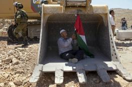 الاحتلال يصادر جرافة ويعتقل صاحبها في الاغوار