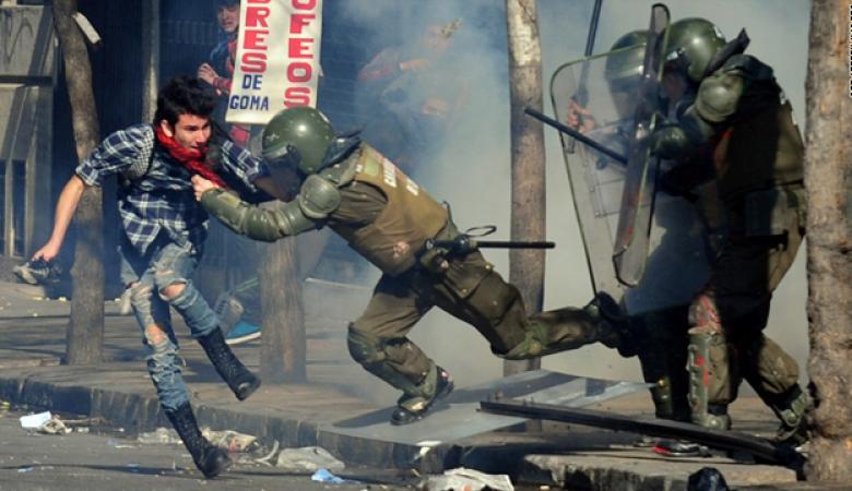 اعلان حالة الطوارئ في تشيلي بعد احتجاجات عنيفة